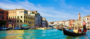 http://www.hotelscombined.com/City/Venice.htm?a_aid=77682&brandId=204073